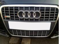 Baguette de calandre chromée Audi A4 0408  Audi S4 0308 v2