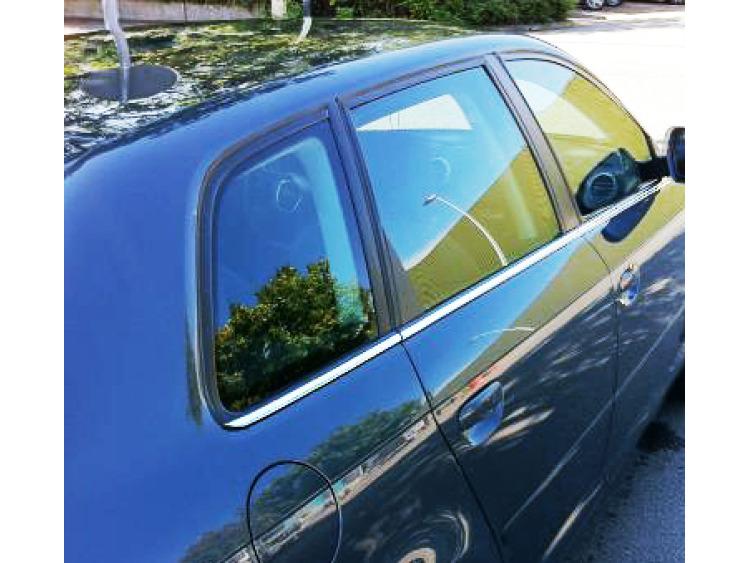 Baguette chromée de contour inférieur des vitres Audi A3 Série 1 96-00/Série 1 Phase 2 00-03/Série 2