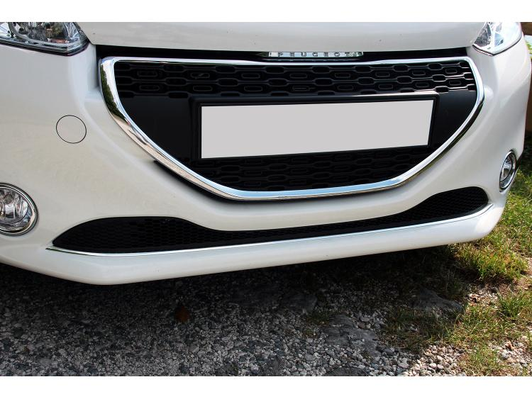 Lower radiator grill chrome trim Peugeot 208