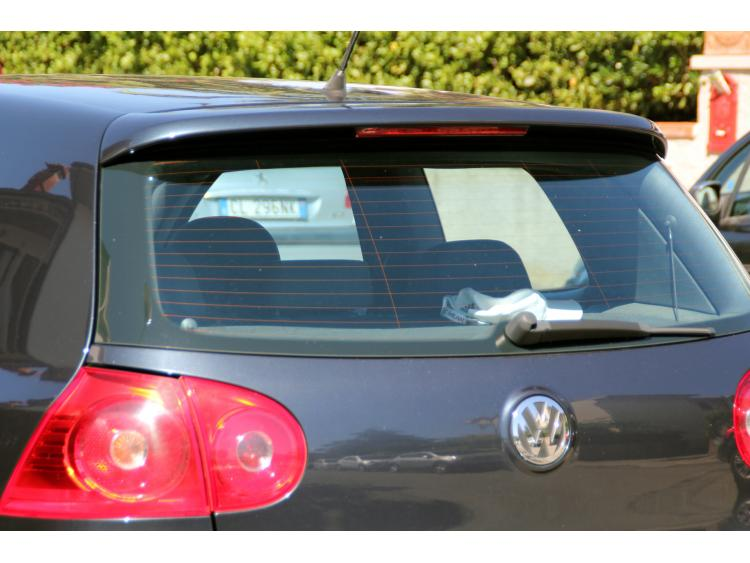 Becquet / aileron VW Golf 5 VW Golf 5 GT TDI VW Golf 5 GTI VW Golf 5 R32 v1