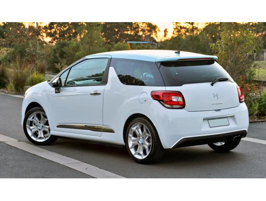 Spoiler chrome moulding trim Citroën DS 3