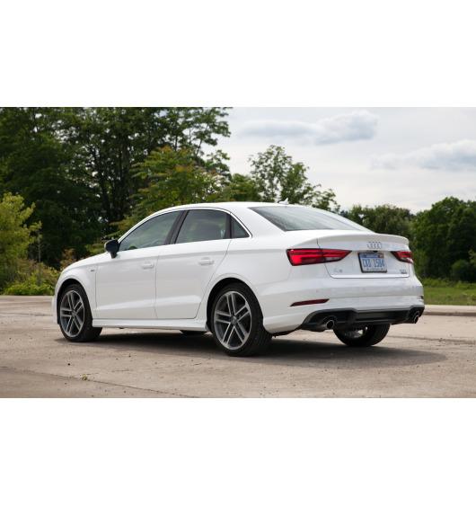Baguette de coffre chromée Audi A3 Série 1 Phase 2 00-03/Série 3 Limousine 13-16...