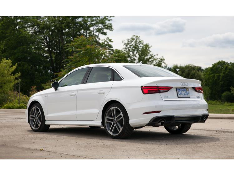 Moldura de maletero cromada Audi A3 Série 1 Phase 2 00-03/Série 3 Limousine 13-16/Série 3 Phase 2 16