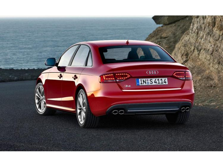 Baguette de coffre chromée Audi S4 08-11 série 3 & Audi S4 11-16 série 3 phase 2