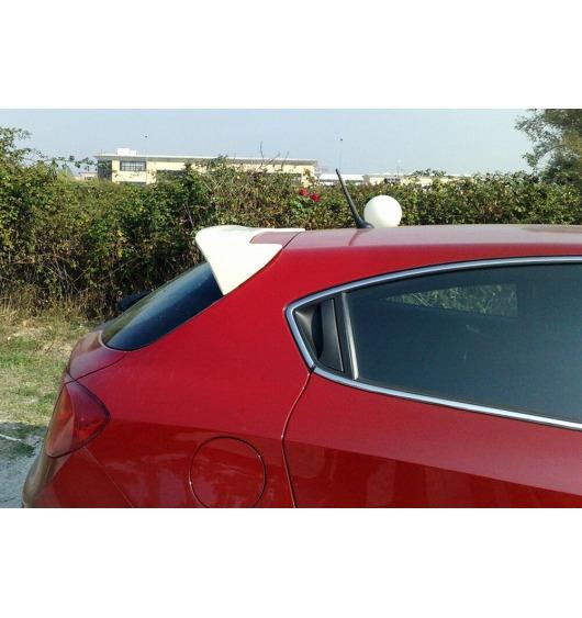 Becquet / aileron Alfa Romeo Giullietta