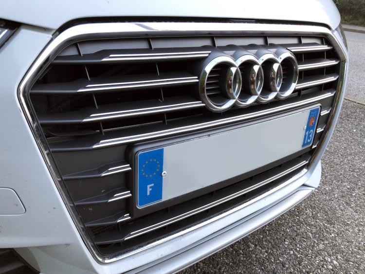 Doppia cornice per griglia radiatore cromata Audi A1