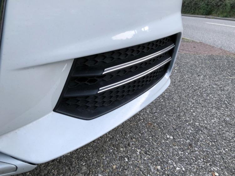 Double baguette chromée pour antibrouillards Audi A1