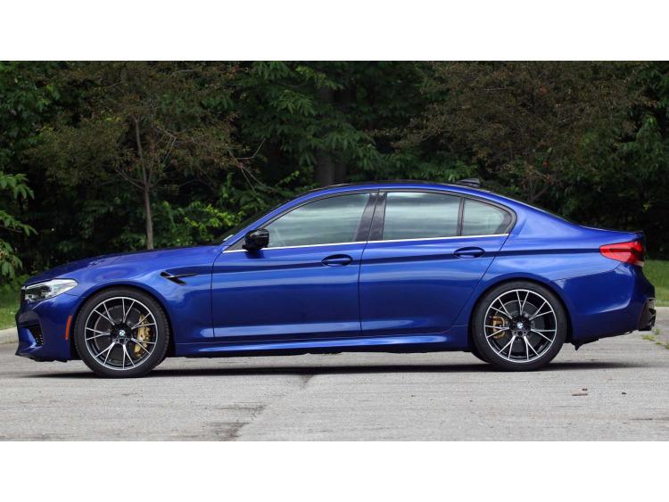 Side windows lower chrome trim BMW M5