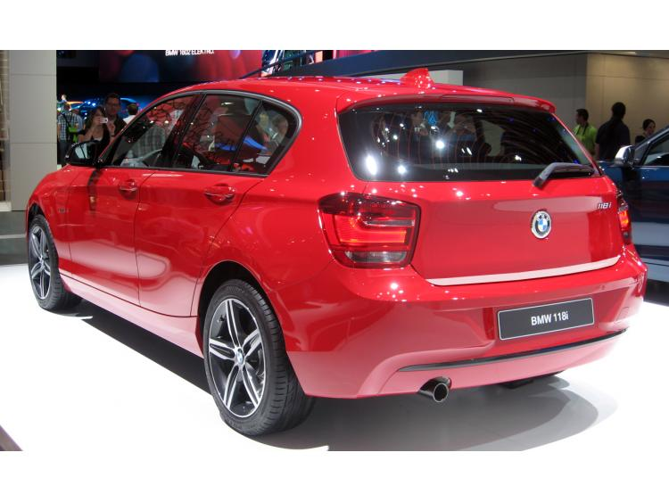 Baguette de coffre chromée BMW Série 1 F20 11-21 5p