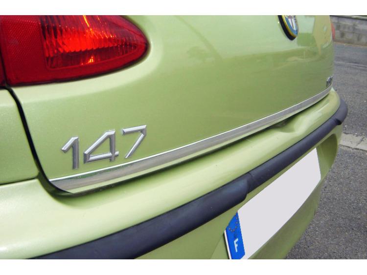 Baguette de coffre chromée Alfa Romeo 147