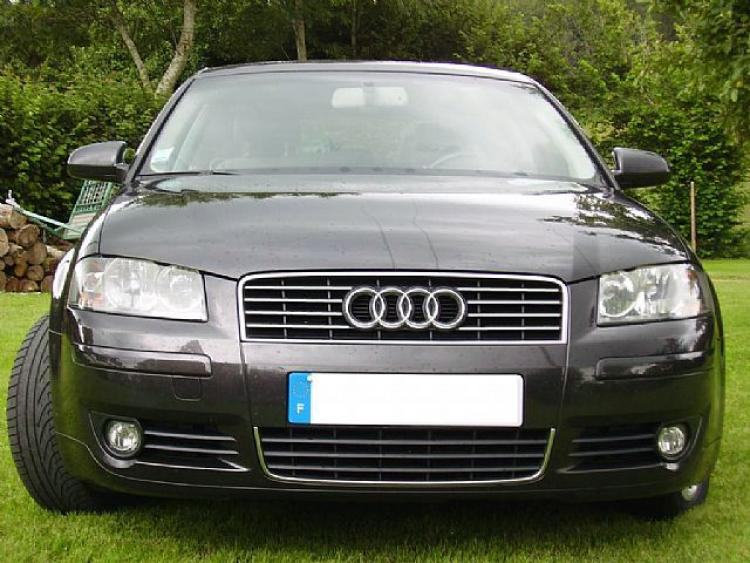 Zier-Chromleiste für Kühlergrill-Oberteil Audi A4 série 1 94-98/série 2 00-04 RS4 00-01 S4 03-08 sér
